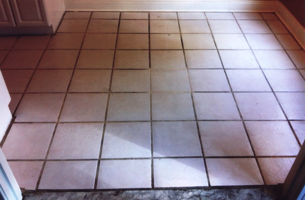 long-beach-ceramic-kitchen-tile-test-cleaning
